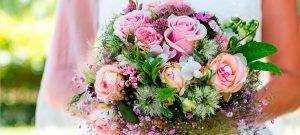 Rosa Hochzeitsstrauss